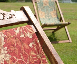 Honeysuckle & Tulip Deckchairs Detail Lr Morris and Co Art of Decoration IV Бумажные обои Англия